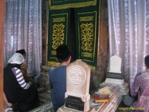 Makam Kudus2