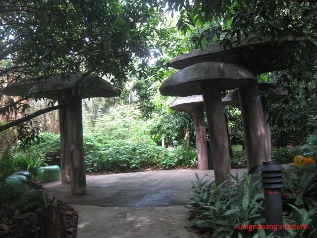 jacob-ballas-children-garden7