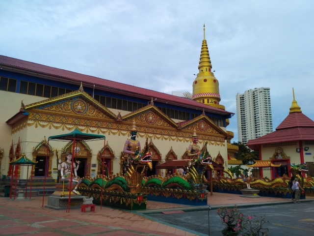 Reclining Budha at Penang
